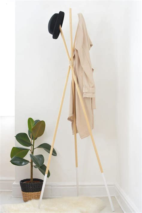 Diy Standing Coat Rack by How To Make A Teepee Hat And Coat Rack Diy Teepee Coat
