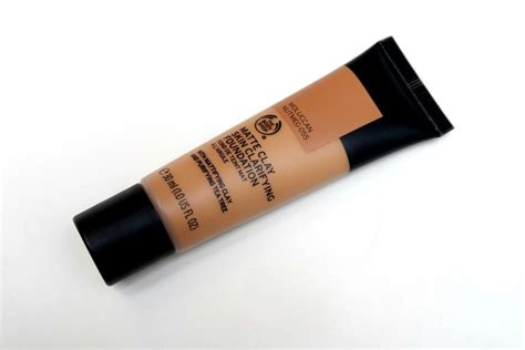 Bodyshop Foundation new the shop make up the beautynerd