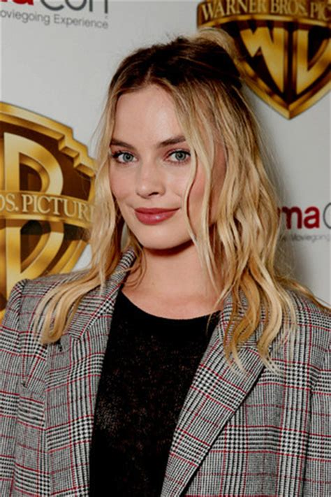 margot robbie headshot margot robbie images margot robbie hd wallpaper and