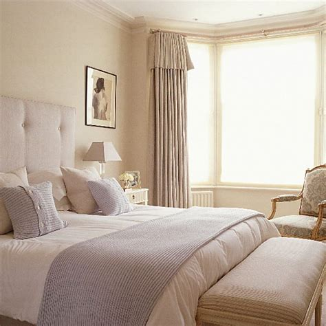 cream and white bedroom blue and cream bedroom bedroom furniture decorating