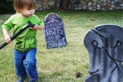 zombie shirt tutorial dabbled halloween zombie t shirt and more halloween