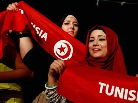 donne tunisine a letto tunisia al voto la deputata 171 elezioni sfidano il