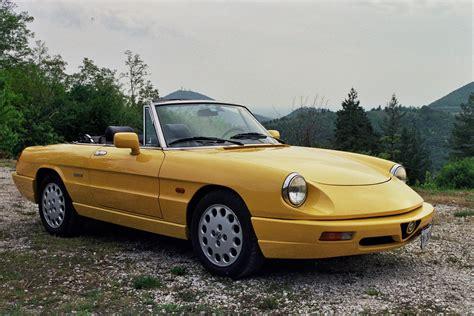 Alfa Romeo Duetto by Duetto Gialla