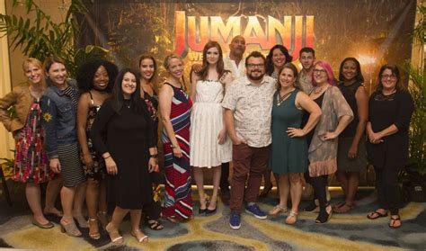 jumanji movie full cast the cast of jumanji talks welcome to the jungle