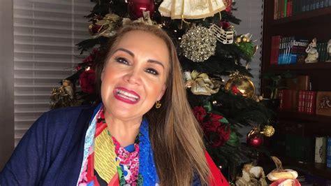aida cuevas aida cuevas les desea feliz navidad y un pr 243 spero 2017