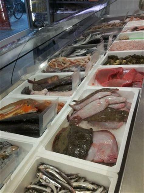 banco pescheria banco pescheria foto di gastronomia pescheria da felice