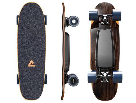 Skateboard Standard elwing adds electric power to a standard size skateboard
