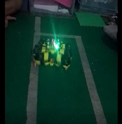 membuat robot pemadam api pelatihan dan perancangan robot pemadam api berkaki