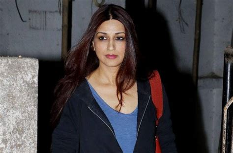 bollywood actress suffering cancer sonali bendre suffering from high grade cancer