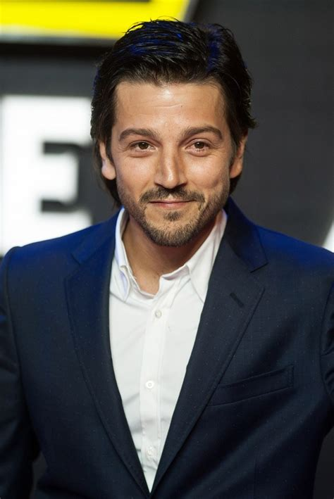 diego luna review diego luna picture 42 star wars the force awakens