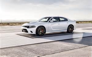 2015 dodge charger srt hellcat white track 2