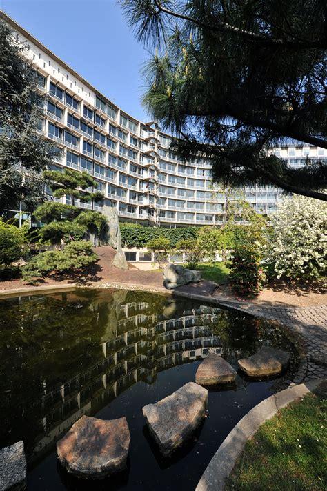 fileapril  unesco headquarters  paris  garden