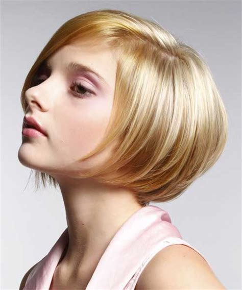 Short Bob Hairstyles For Women With Lots Of Feathering And Stacked | short bob hairstyles part 4 perfection hairstyles