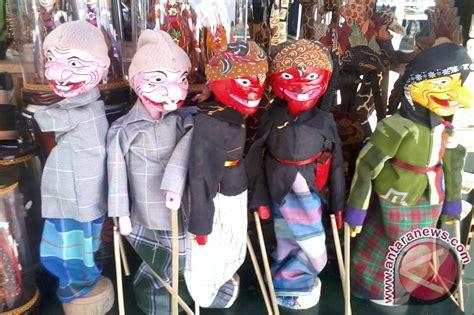 Boneka Wisuda Kota Surakarta Jawa Tengah boneka wayang produk mojosongo banjir order www