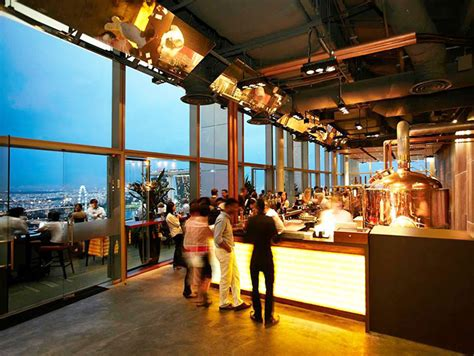 top cocktail bars singapore the 7 best rooftop bars in singapore thebestsingapore com