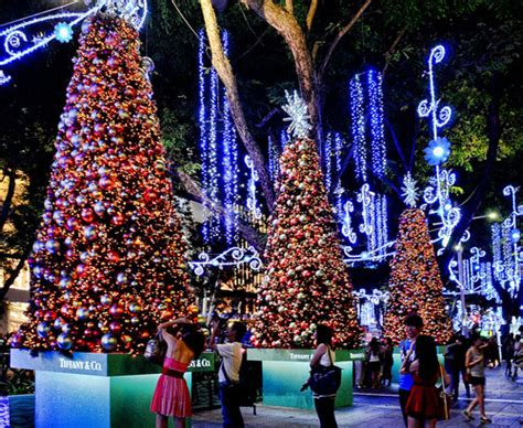 x mas street decor christmas blooms in singapore