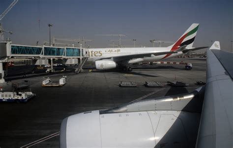 emirates cgk dxb emirates airline dubai international airport