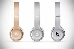 beats wireless headphones colors beats adds iphone shades to solo2 wireless headphones