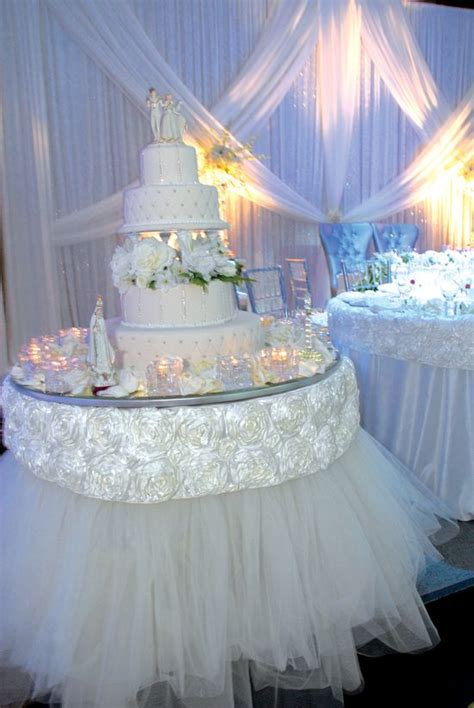 wedding cake table centerpieces white and gold wedding stylish wedding cake table decorations linens wedding