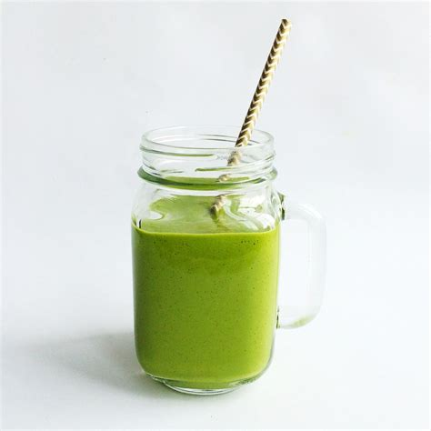 green drink my favorite green smoothie whole living lauren