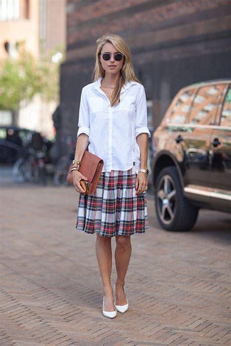 Kaos Skripsi kemeja putih akan membuatmu terlihat mau sidang skripsi