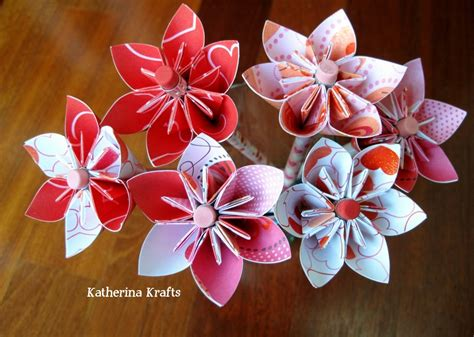 Katherina Krafts: Valentine Pencil Origami Flower Favors