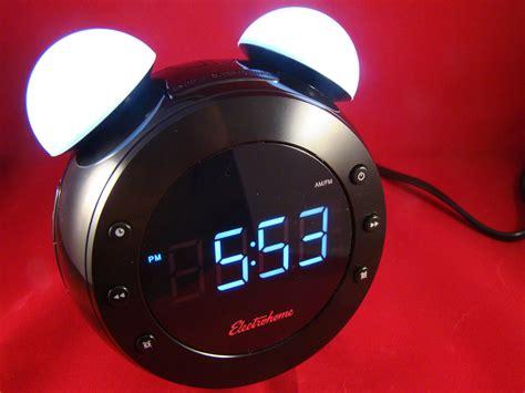futuristic clock futuristic alarm clock wears a retro face 15 minute news