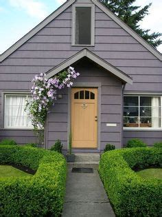 Synonym Cottage by Exterior Paint On Farmhouse Exterior Colors And Small House Exteriors