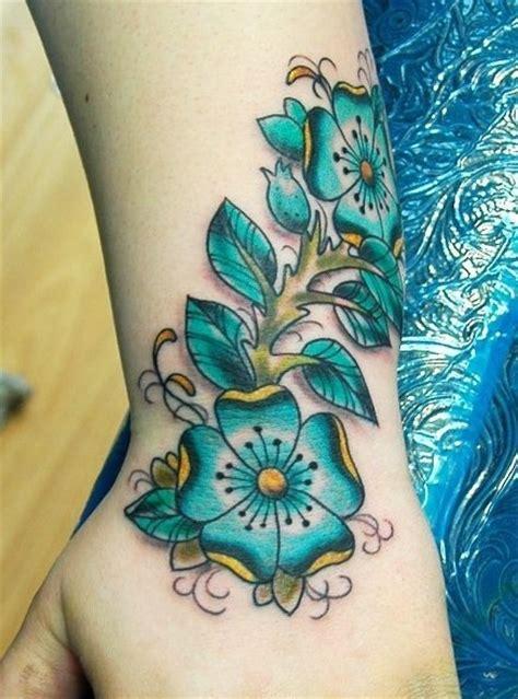 tattoo hand with flower hand flower female tattoofemale tattoos gallery