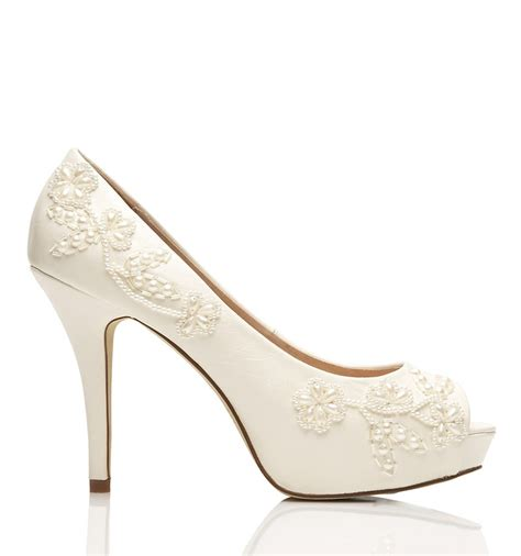 Pretty Bridal Shoes by 25 Best Ideas About Bridal Shoes Ivory On