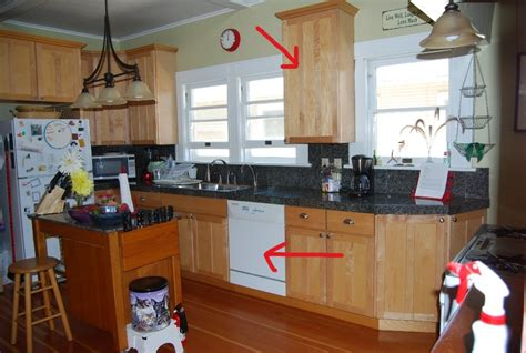 Kitchen Between Windows Kitchen Between Windows 28 Images Fireplace Between