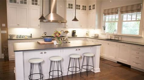 Find Kitchen Cabinets Katie Lee S Kitchen See Inside Her Water Mill Home