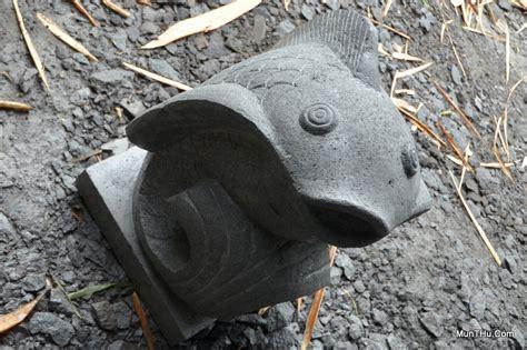 Patung Ikan Arwana Besar Harga Nego patung ikan koi batu alam merapi t50 l30x30 munthu