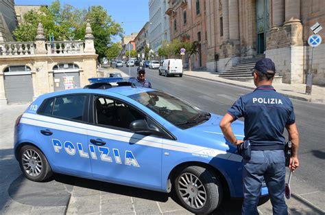 polizia volante ragusa le volanti della polizia di stato con tablet e