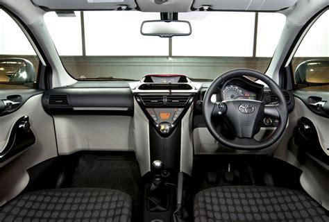 download car manuals 2012 scion iq interior lighting toyota iq gets even smarter for 2011 toyota