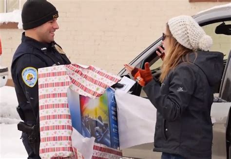 christmas present for cops shows cops surprising drivers with gifts on their wish lists news network