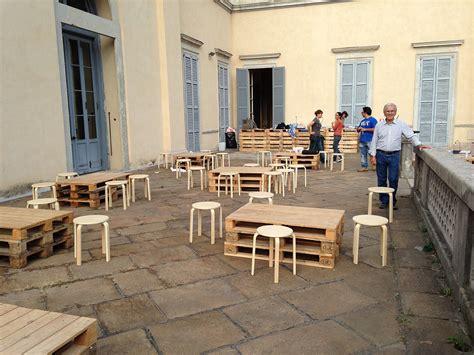 arredare coi bancali beautiful tavolini da bar con bancali e sgabelli with