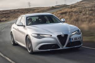 Alfa Romeo Gulia Alfa Romeo Giulia Uk 2017 Review Pictures Auto
