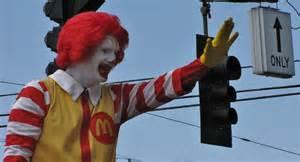 poor ronald creepy clown craze keeps mcdonald s icon in