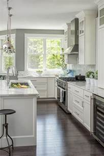 gray kitchens with white cabinets best 25 grey kitchen walls ideas on gray