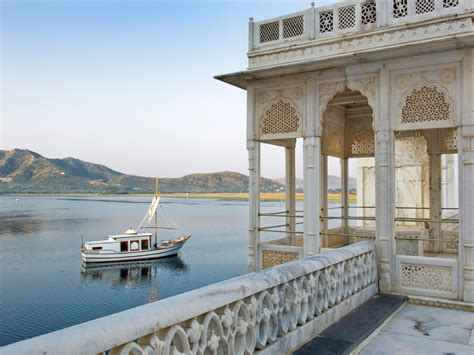 boat place things to know about jag mandir palace boat ride