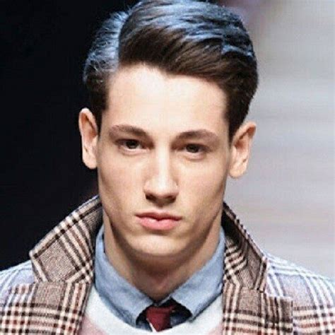 mens haircuts oblong face men choosing the right hairstyle for your face shape