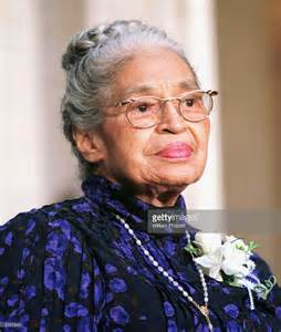 civil rights leader rosa parks waits to receive the congressional gold