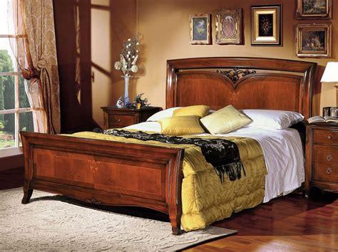 letti classici in legno letto matrimoniale classico in legno intarsiato a mano