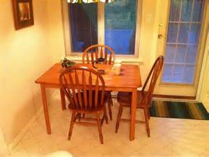 Oak Kitchen Table And Chairs Oak Kitchen Table And 4 Chairs Saanich Victoria