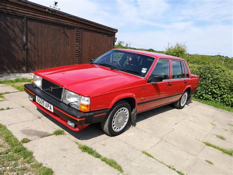 volvo  gl saloon auto  owner  miles sold car  classic