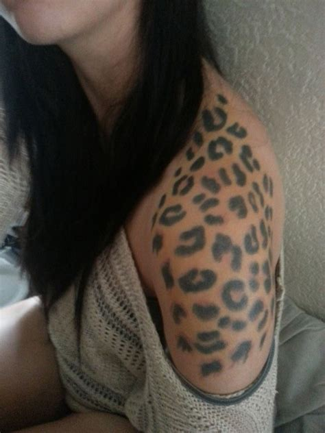 leopard spots tattoo designs best 25 leopard print tattoos ideas on print