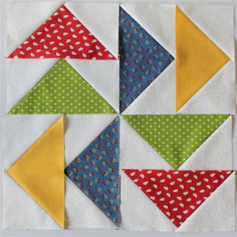 Patchwork Flying Geese - how to make a flying geese block the crafty mummy