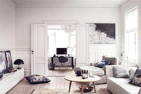 danish living room woonkamer met invloeden van de natuur wooninspiratie