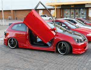 Cars With Scissor Doors by Top 10 Worst Car Accessories